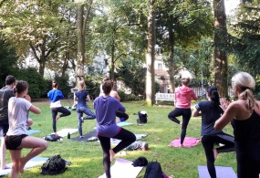 Yoga im Liebieghaus Garten